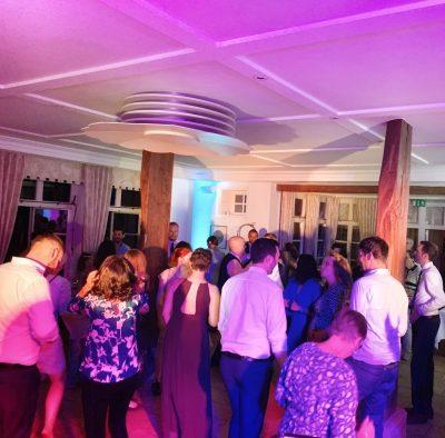 DJ buchen für Deine Hochzeit oder Event - Profi DJ mit Erfahrung