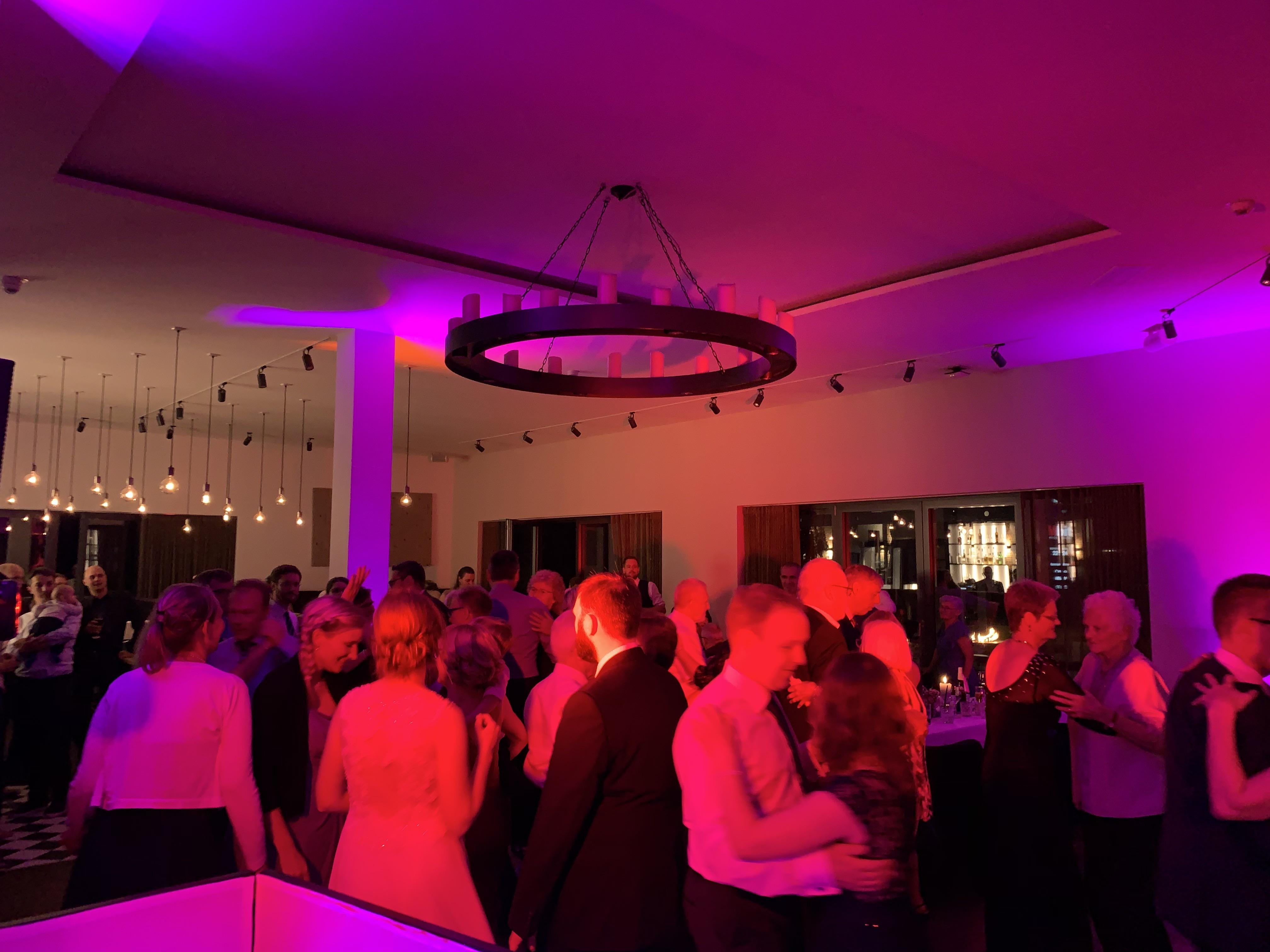 DJ Winsen - Dein Discjockey für Hochzeit, Gala und Party