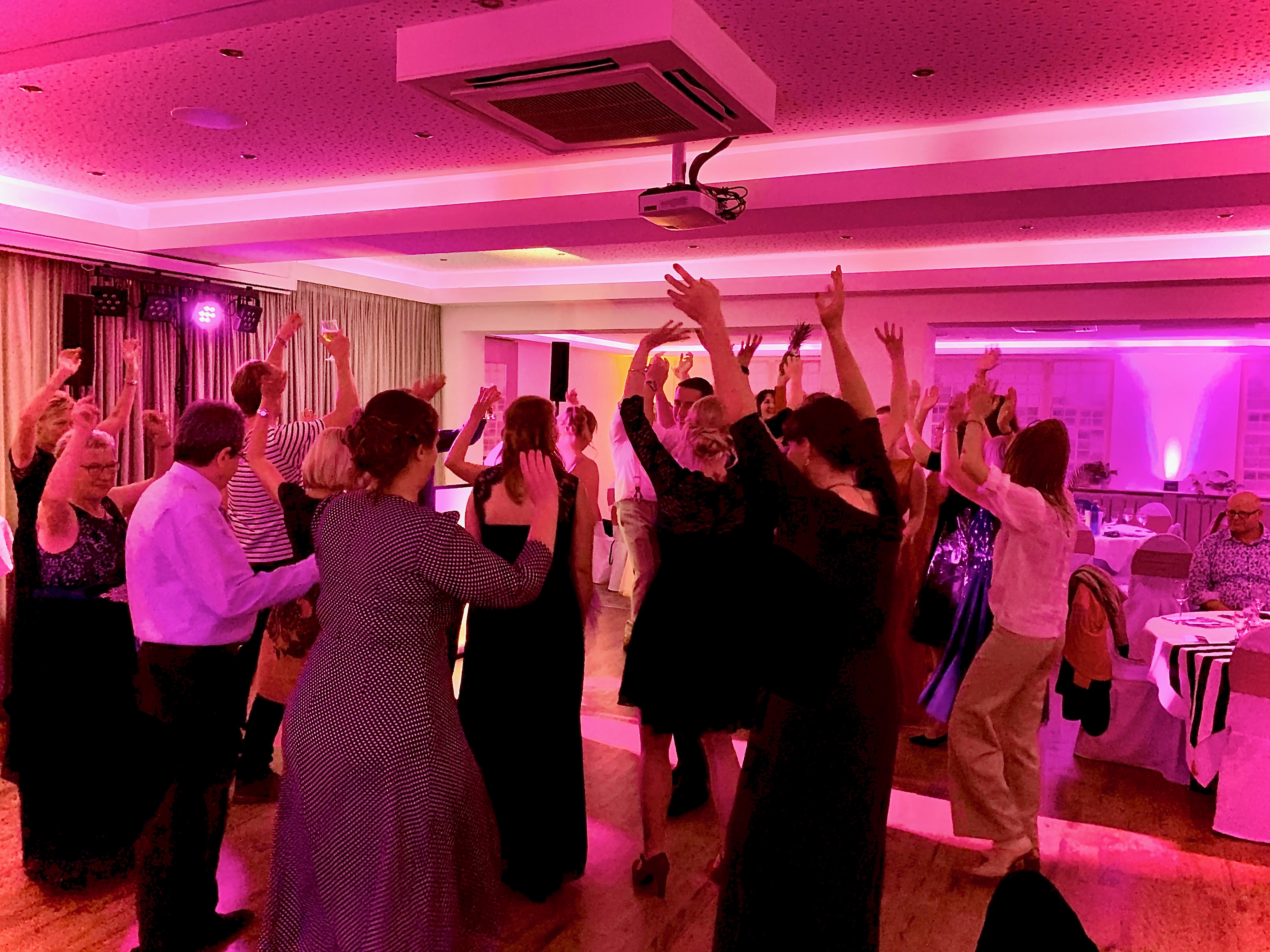 DJ in Winsen buchen für Party, Gala und Event